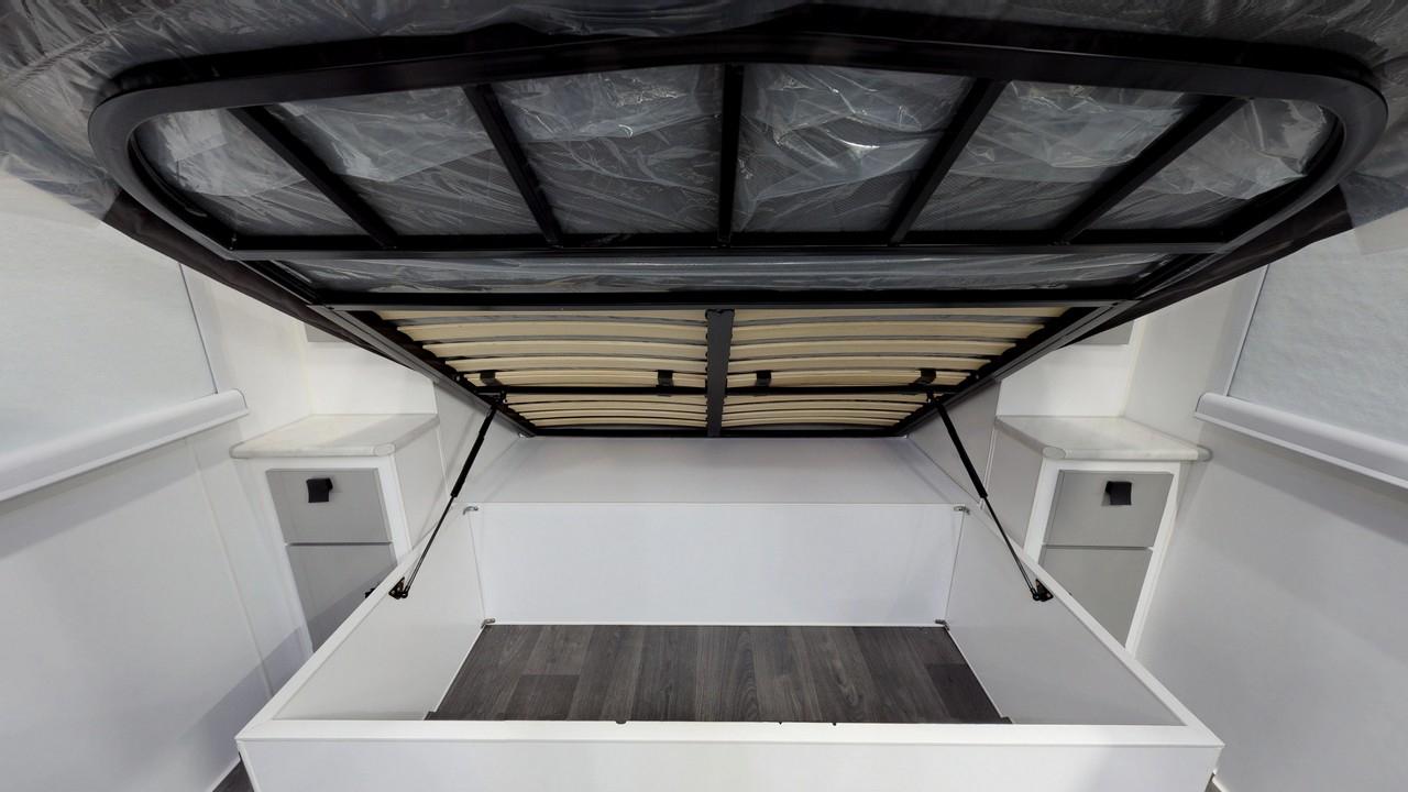 salute-caravans-avalon-internal-010