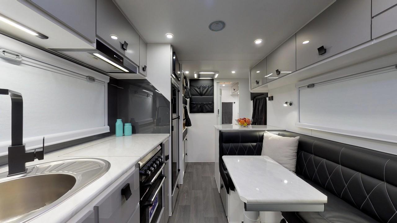 salute-caravans-avalon-internal-011