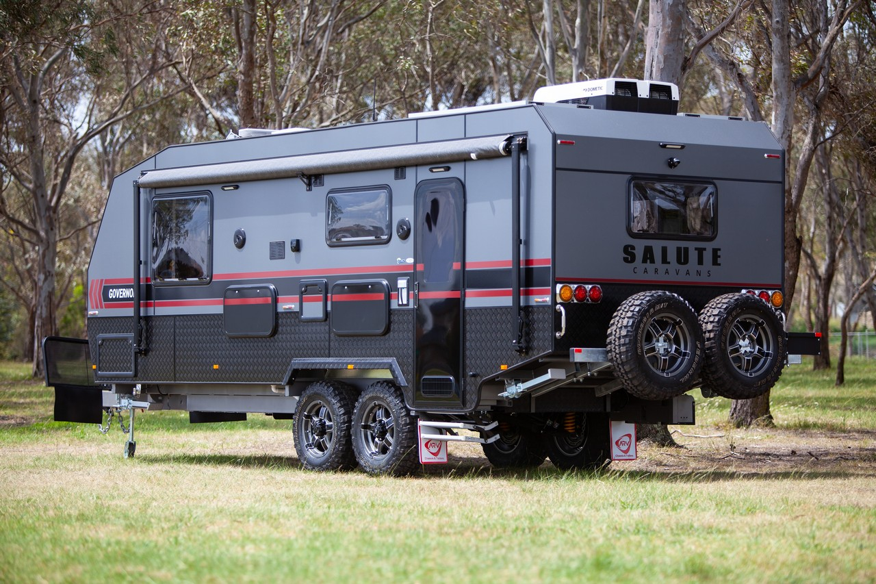 salute-caravans-governor-external-004
