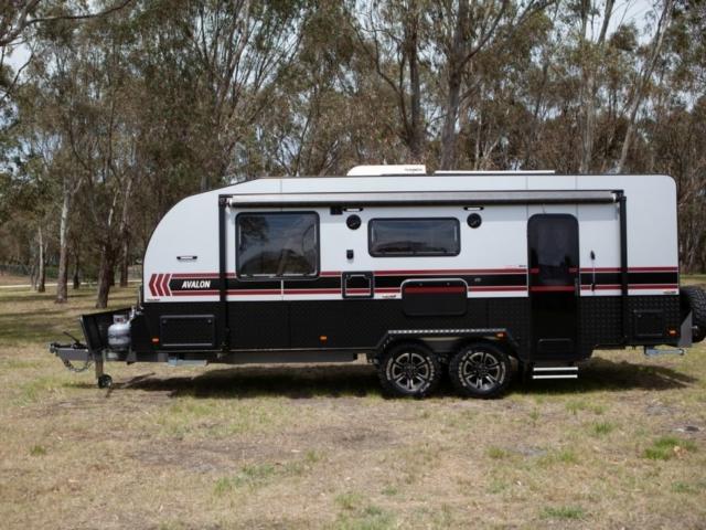 salute-caravans-avalon-external-003