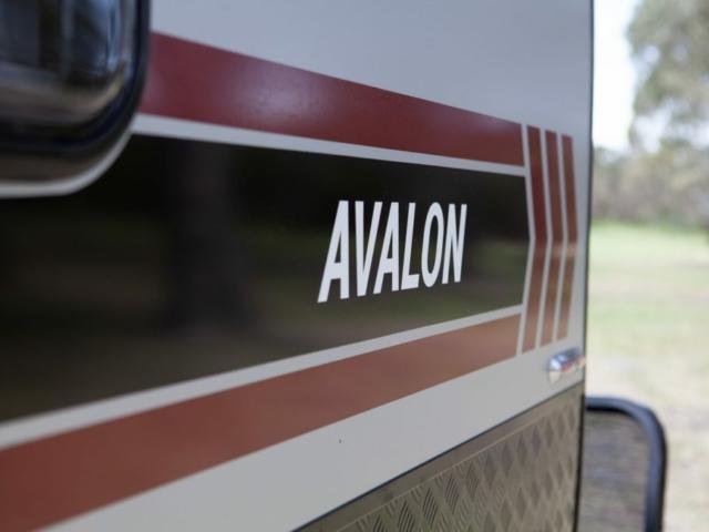 salute-caravans-avalon-external-006