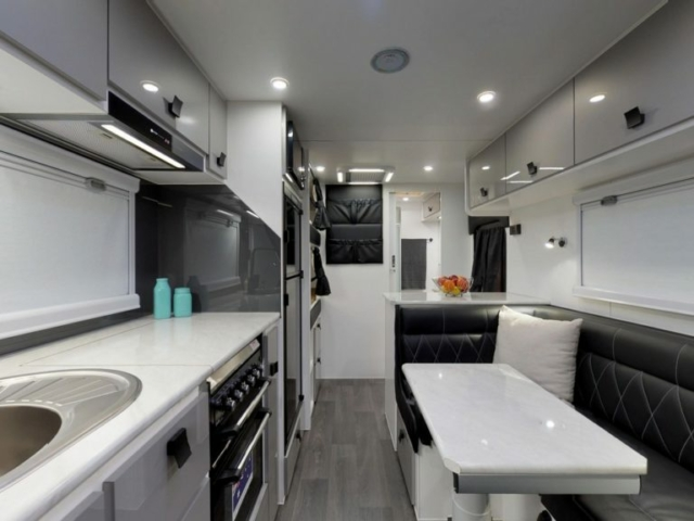 salute-caravans-avalon-internal-011