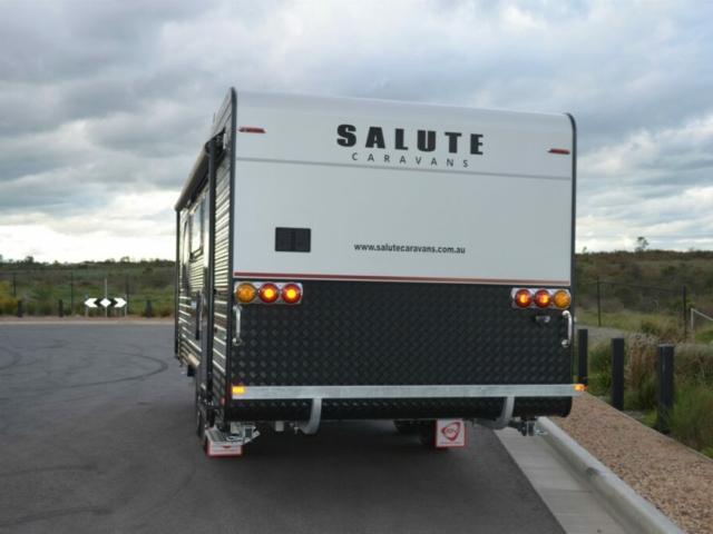 salute-garrison-tourer-004-v2