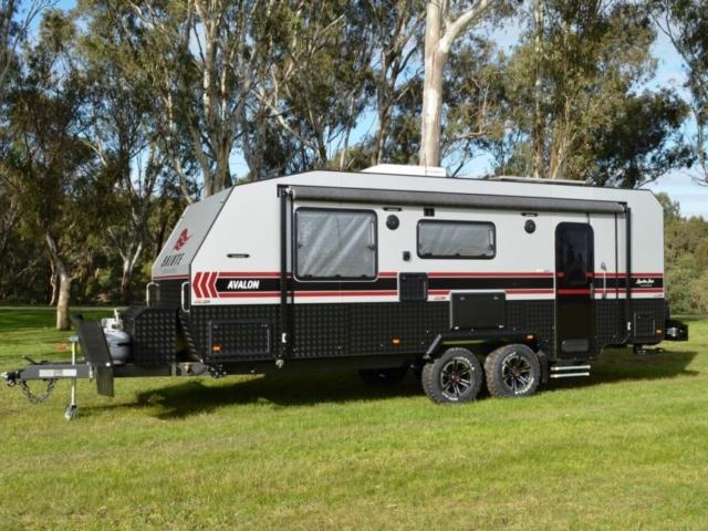 salute_avalon_family_bunk_caravan_004