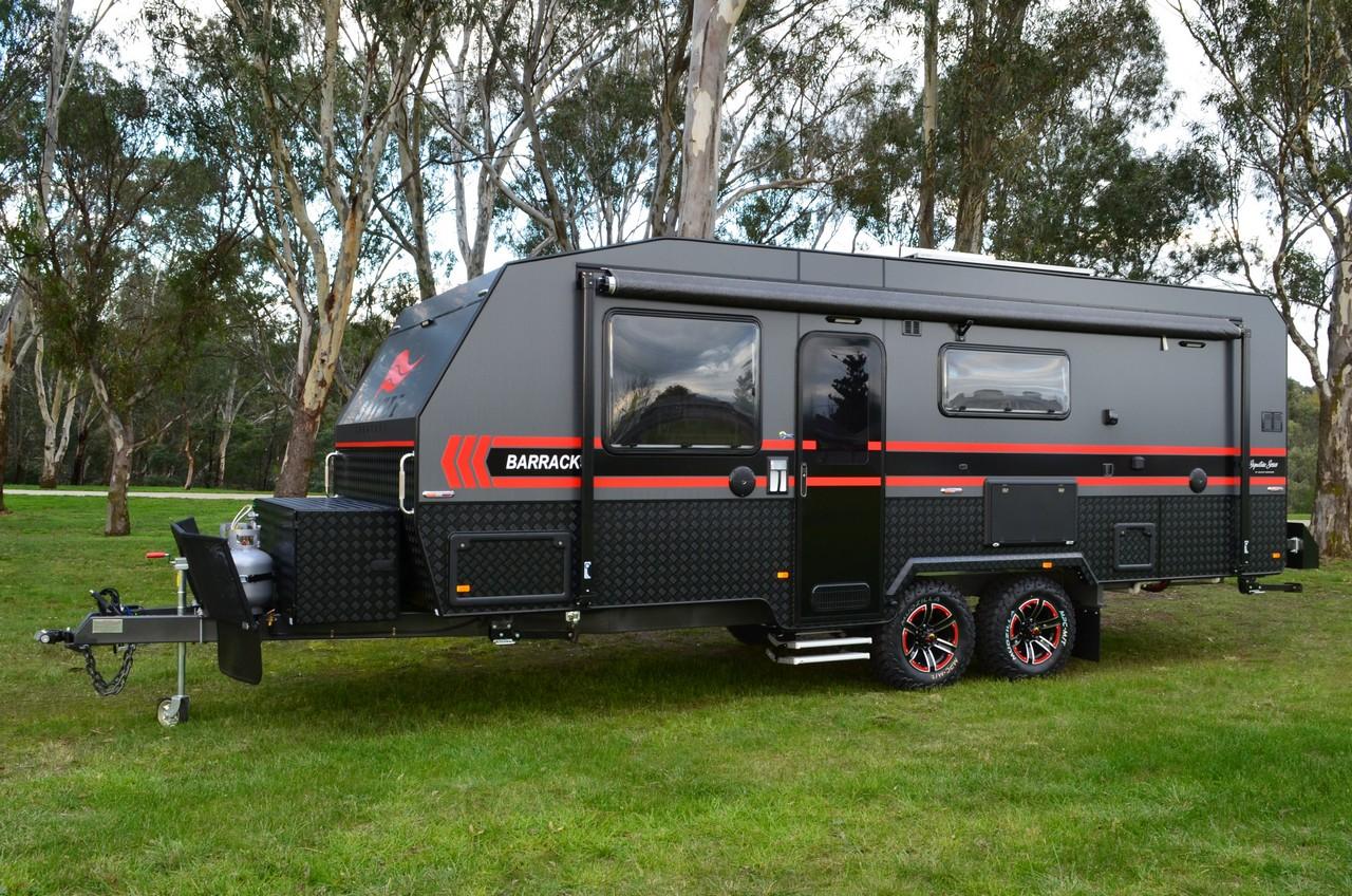 salute_barracks_family_bunk_caravan_002