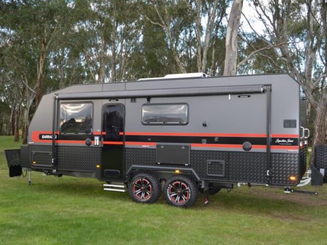 salute_barracks_family_bunk_caravan_004